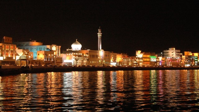 The most beautiful places in Muscat by night.
