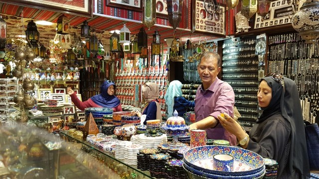 Shopping in Stores of  Mutrah Souk