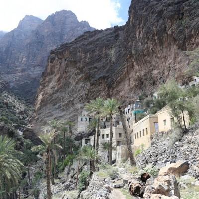Wadi Sahtan Mandoos Day Tour