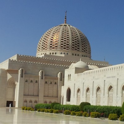 Grand Mosque and Sultan Al Alam Palace Layover